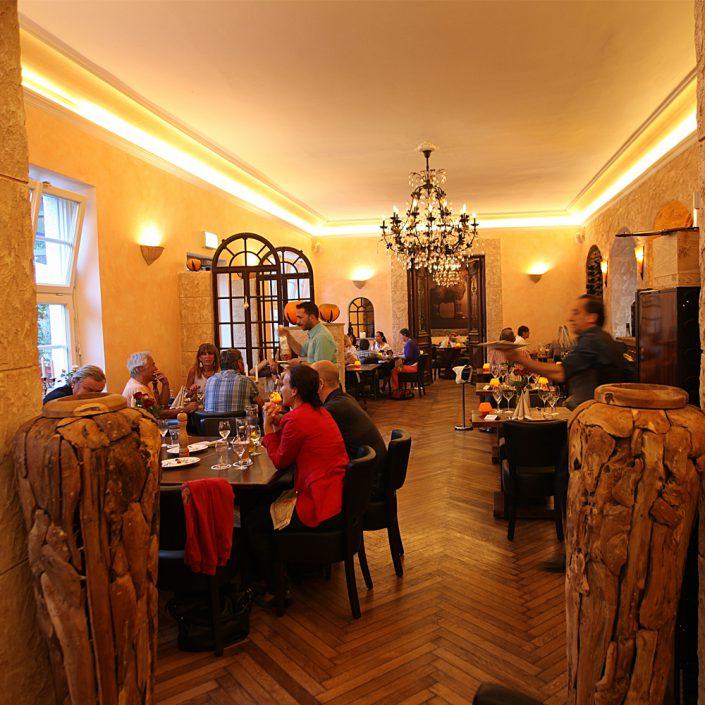 Restaurant Troja München - das Restaurant