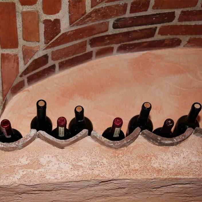 Restaurant Troja München - Weinflaschen im Gewölbe