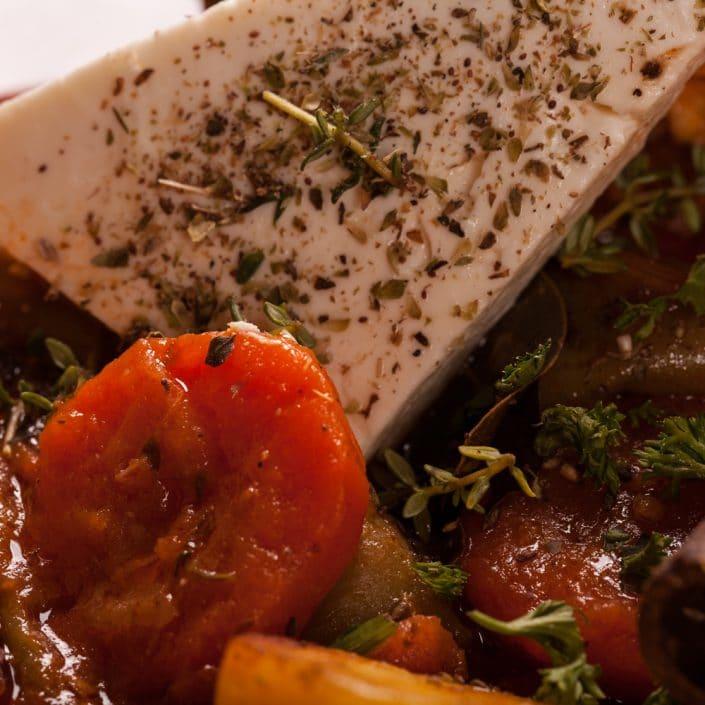 Restaurant Troja München, Fetakäse auf Gemüse
