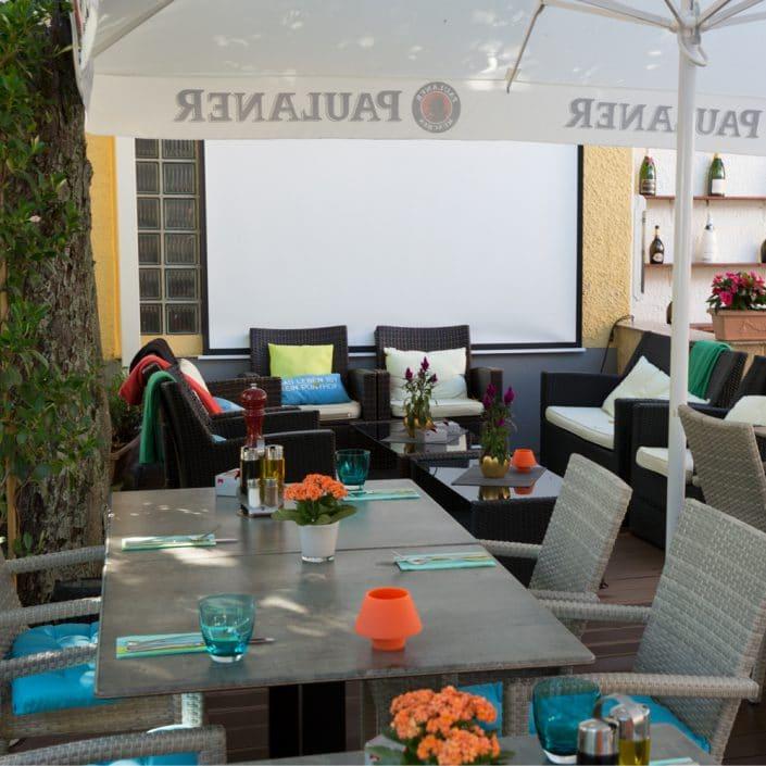 Troja München Terrasse mit Lounge