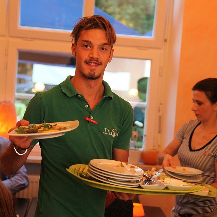 Restaurant Troja München - Servicepersonal