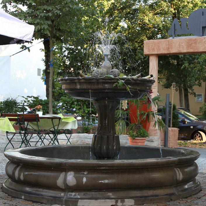 Restaurant Troja München - Brunnen
