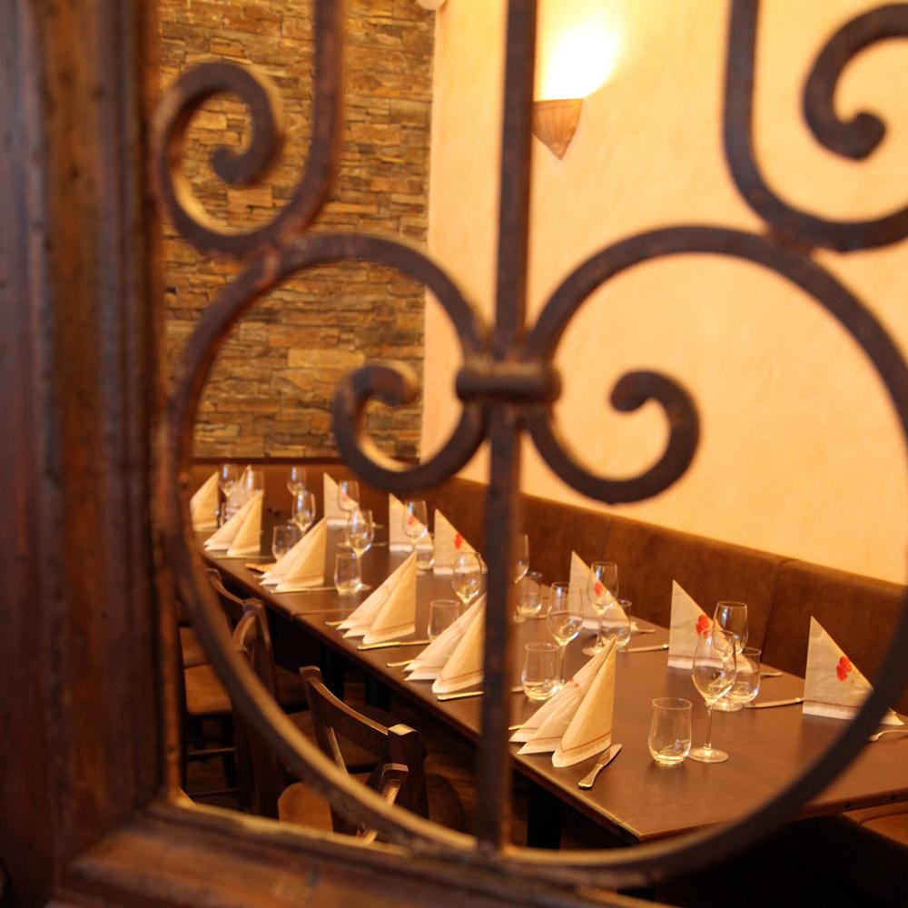 Restaurant Troja München - Schmiedeeisengitter