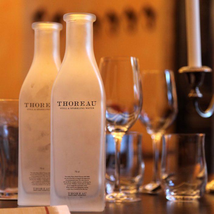 Restaurant Troja München - Wasserkaraffen und Gläser