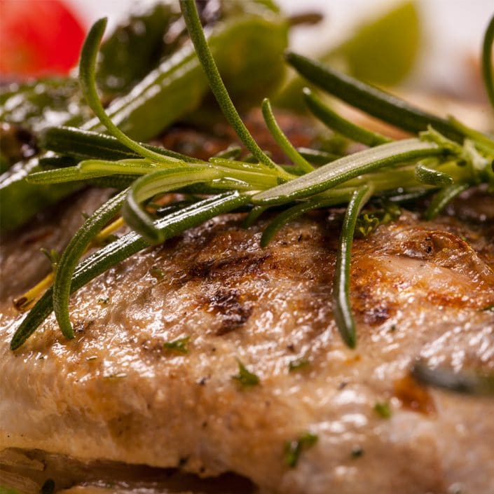 Restaurant Troja München, gegrillter Fisch mit Rosmarin