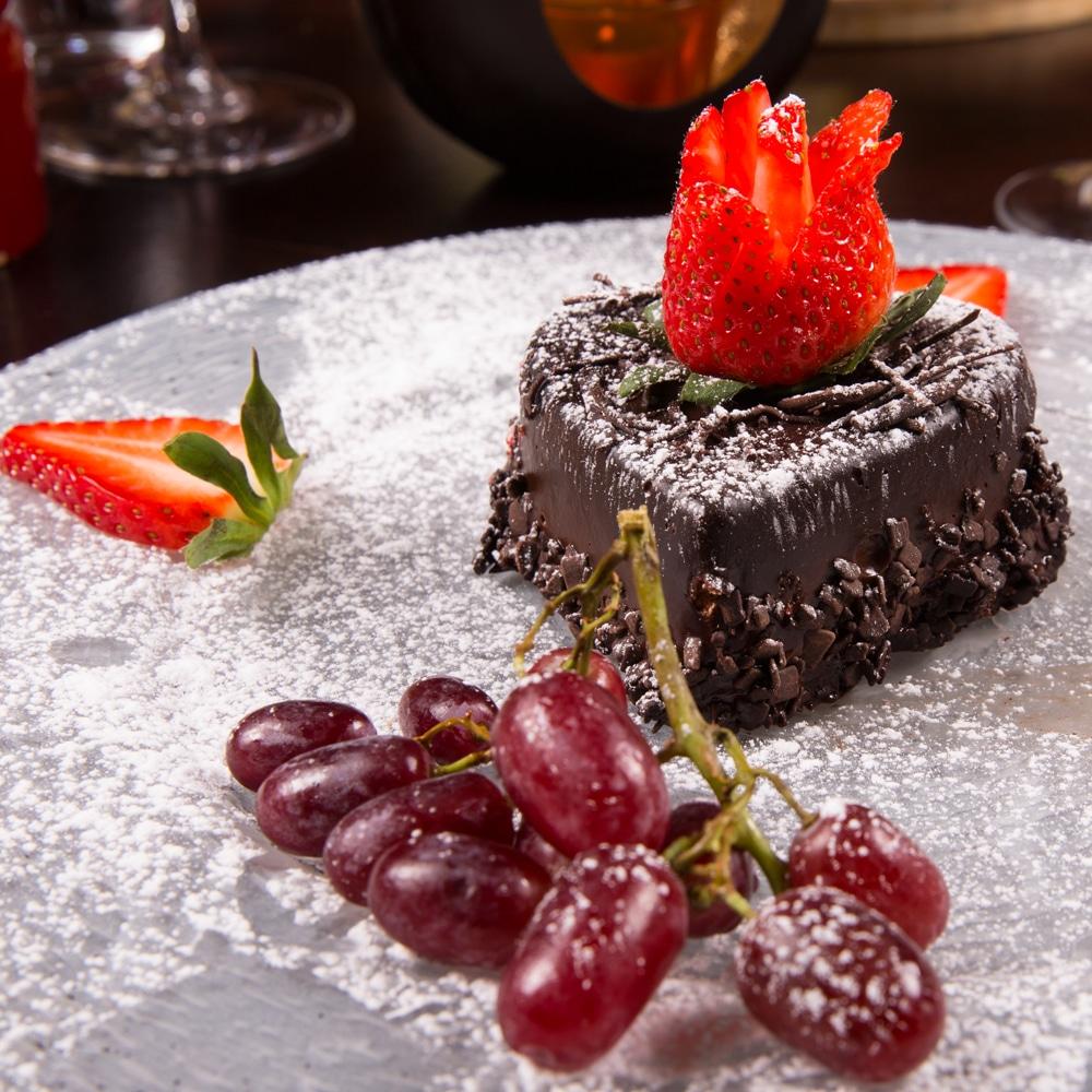 Restaurant Troja München, Schokotörtchen mit Früchten