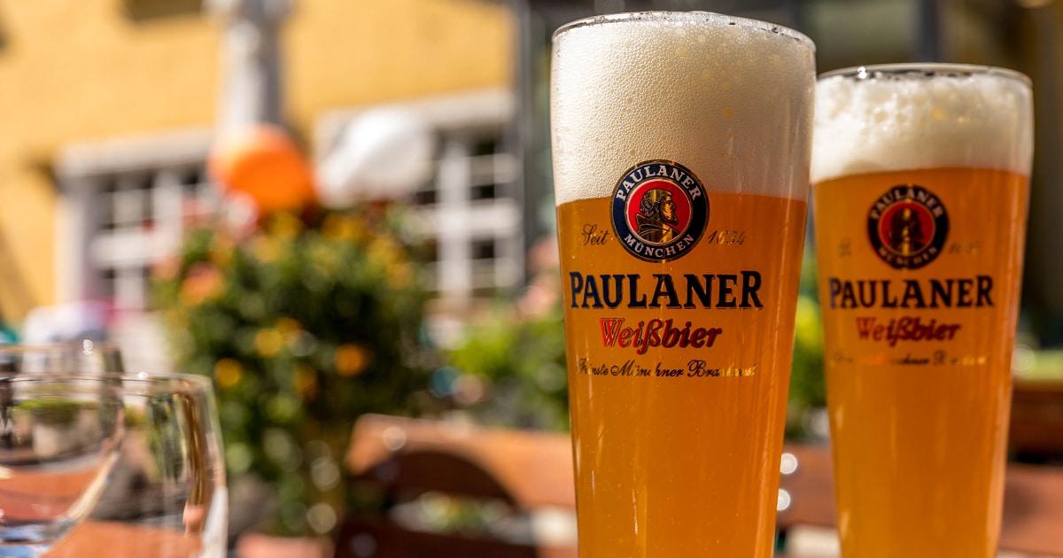 Troja München, Weißbier im Biergarten, griechisches Restaurant München
